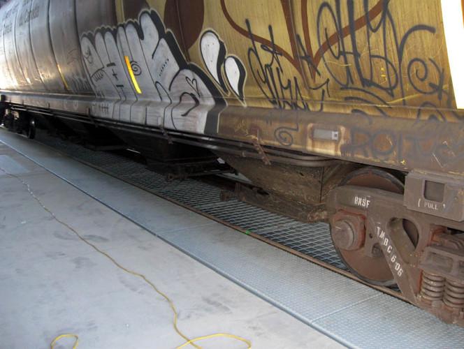 Railcar Unloading System